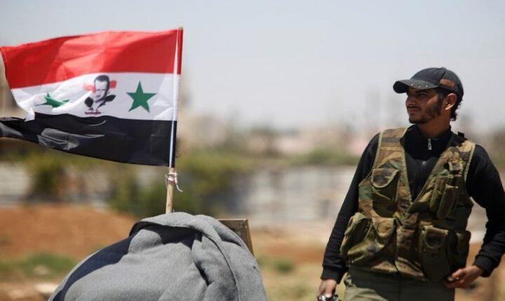 """قوات نظام """"الأسد"""" تستهدف بصاروخ موجه سيارة تابعة للفصائل العسكرية في قرية """"القرقور"""" بريف #حماة الغربي."""