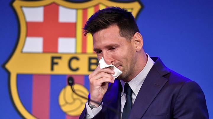 لم يتوقف عن البكاء.. ميسي مودّعاً برشلونة: لم أتخيّل رحيلي بهذه الطريقة