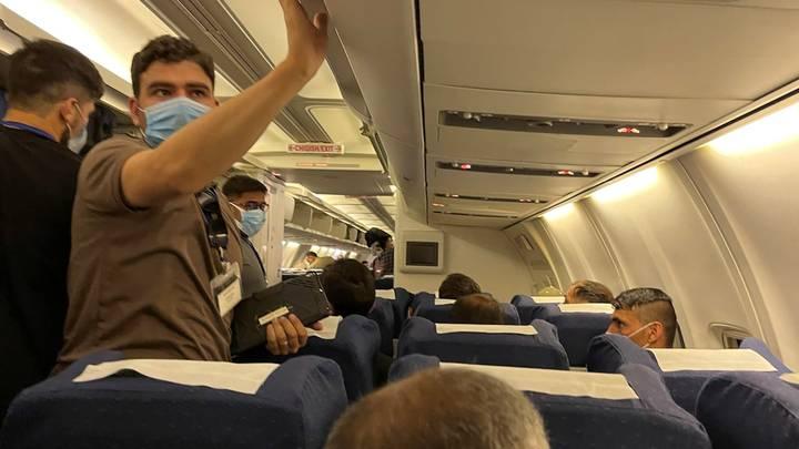 رغم ضغوط طالبان.. أنباء عن بدء مغادرة طيارين أفغان من أوزبكستان للإمارات