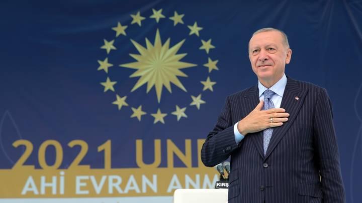 """""""عالم أعدل"""".. أردوغان يفتتح البيت التركي بنيويورك ويُهدي قادة الدول كتابه"""