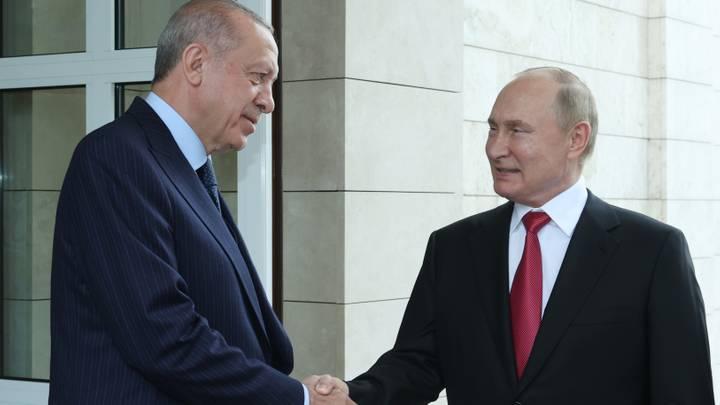 """""""لقاء مثمر"""".. أردوغان وبوتين يؤكدان أن تعزيز العلاقات يسهم باستقرار المنطقة"""