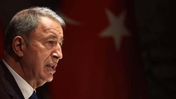 وزير دفاع تركيا: نؤمن بإمكانية حل المشكلات مع اليونان سلمياً وبالحوار